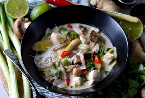 tom_kha_kai_thaise_kippensoep_met_kokos-001