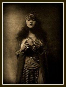 5e9adb8812b169f5b7fac1a826e2d0ec--vintage-gypsy-vintage-circus